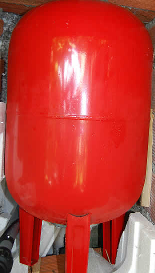 50L upright expansion vessel